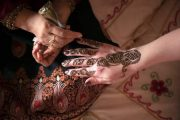Hena painting dubai desert safari henna tatoo