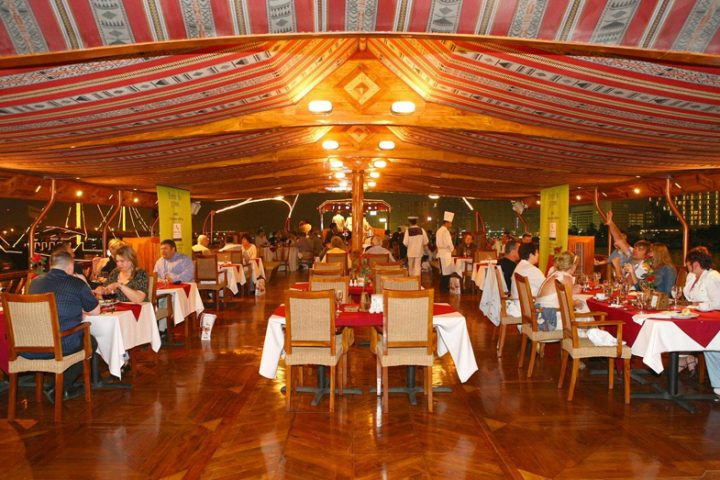 dhow cruise dinner in inn airconditioned deck