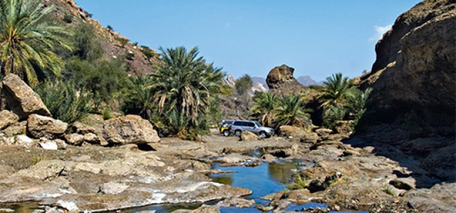 montain safari on land cruiser during hatta tour